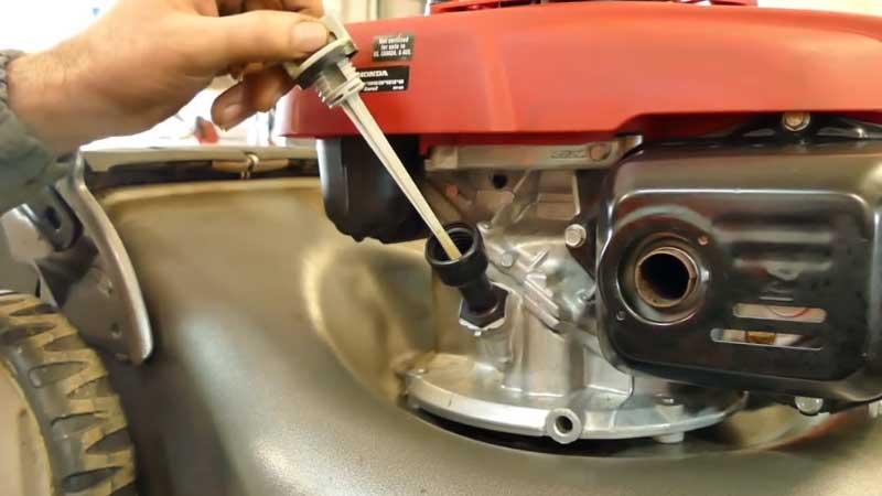 Olio/carburante per motori 4 tempi